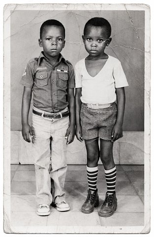 Photograph by Lema Mpeve Mervil of Studio Photo Less. Kinshasa, D.R.C., c. 1985.
