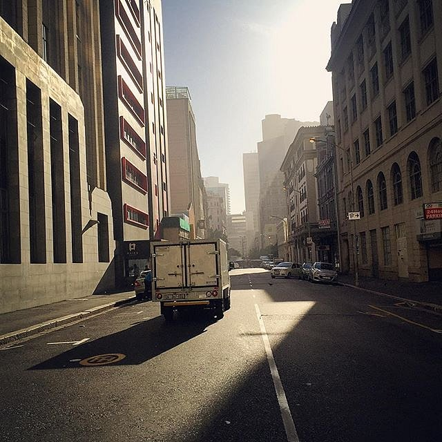 Cape Town waking up. #southafrica #capetown #africa #morning #light #city #truck