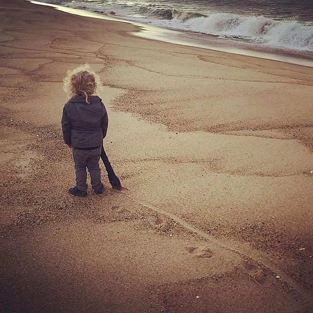 Making tracks. #latergram #errol #beach #family #peace #eastend #tracks #morning