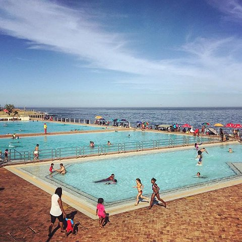 I've walked past this pool so many times over the past 5 years. Someday I'm actually going to fulfill the dream of jumping in. But for now I like having a dream in the lineup that I know I can decide to make happen and accomplish in a single day. #capetown #dreams #pool #southafrica #seapoint #seapointpromenade